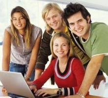 grupo-estudiantes-universitarios